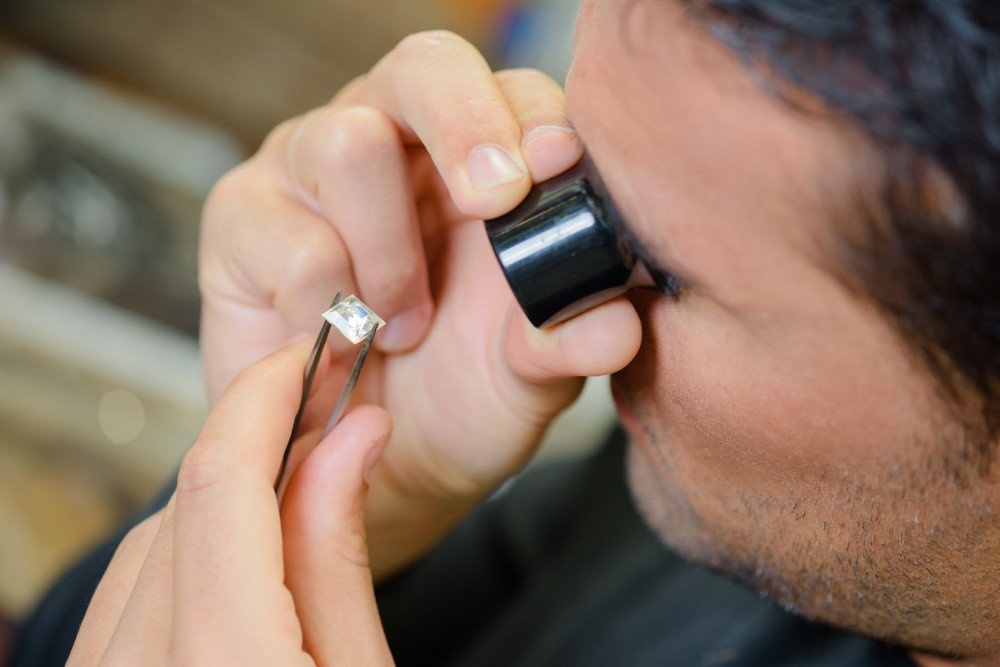 How to Choose a Diamond: From the 4 C's to Happily Ever After